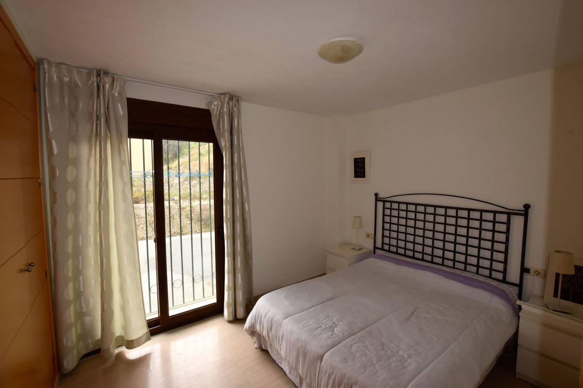 INVESTMENT OPPORTUNITY OR CHEAP HOLIDAY HOME!! Opportunity to purchase an apartment second line beac, Spain