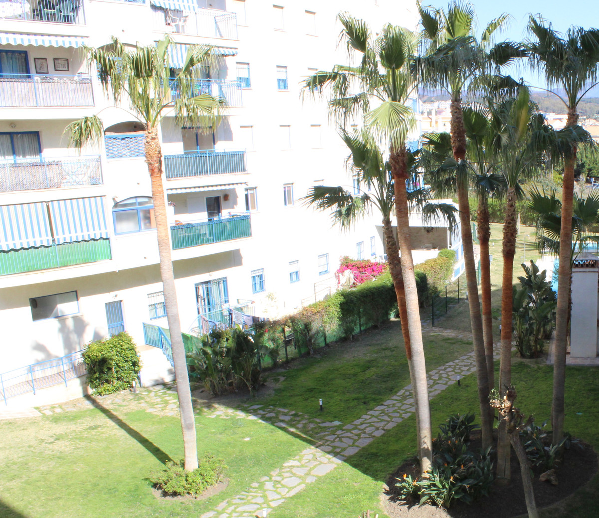 2 bedroom apartment in Estepona close to the port, town, schools and shops. Large communal pool and ,Spain