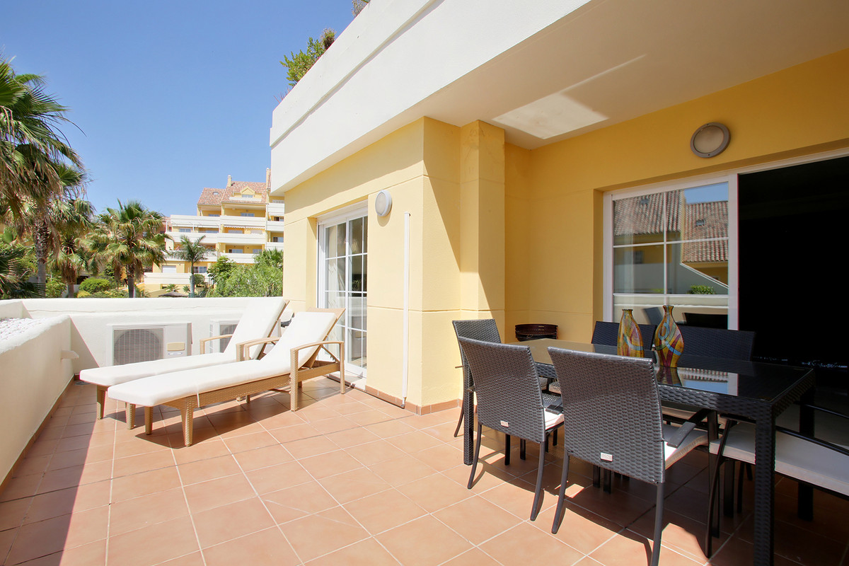 Fantastic bright corner first-floor apartment in a luxurious gated community with lush and spacious , Spain