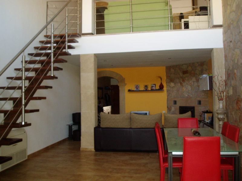 Renovated townhouse divided into 2 apartments  Ground floor: 110 m2, 2 bedrooms, 1 bathroom, lounge ,Spain
