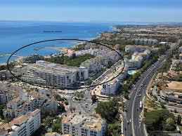 REDUCED REDUCED BANK REPOSSESSION €1,500,000  Frontline Playa del Duque, Puerto Banus. This is a 360,Spain