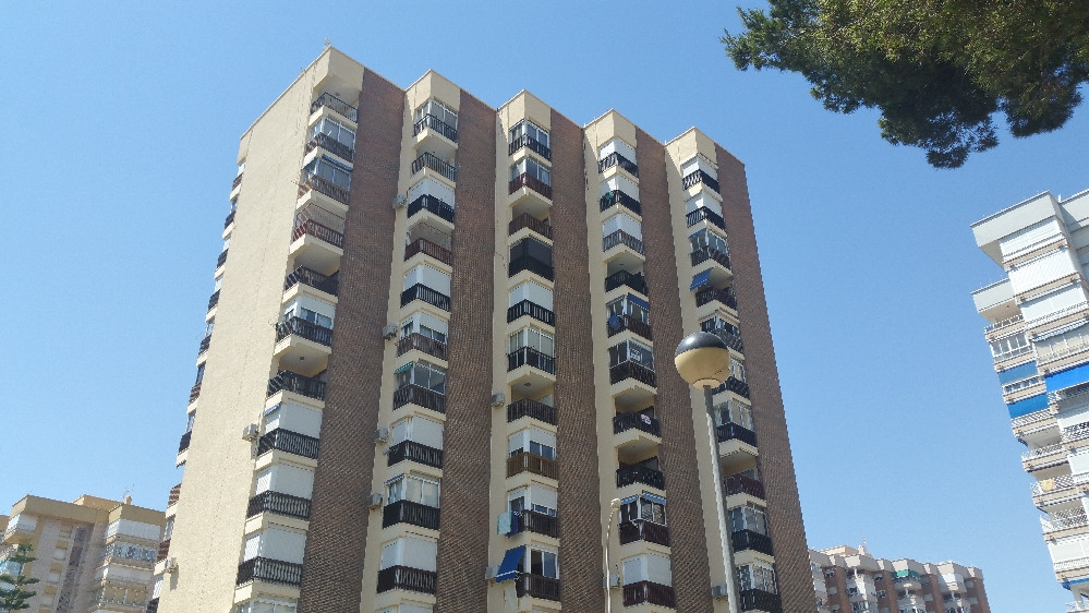 1 bed 1 bath apartment set in a tower block within the picturesque town of Campoamor.   This propert,Spain
