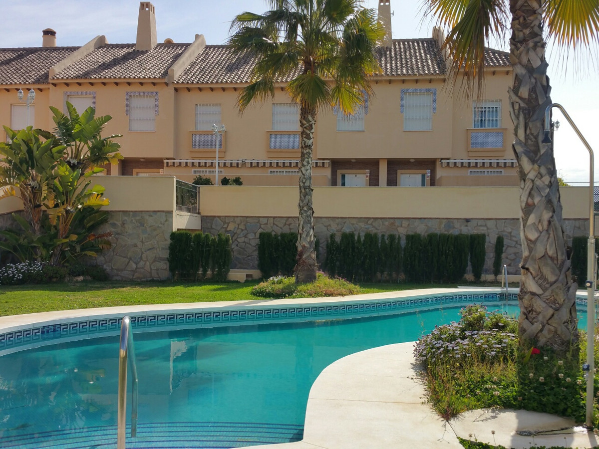 CALAHONDA. 11 excluse BRAND NEW TOWNHOUSES IN 3 LEVEL. 4 BEDROOM, 3 BATHROOM, 3 TERRACE, 2 PRIVATE P,Spain