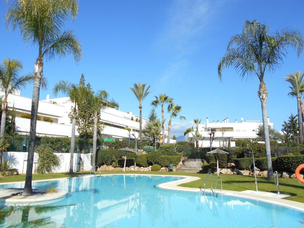 Beautiful and large apartment located in the gated complex Las Terrazas del Rodeo from a walking dis, Spain
