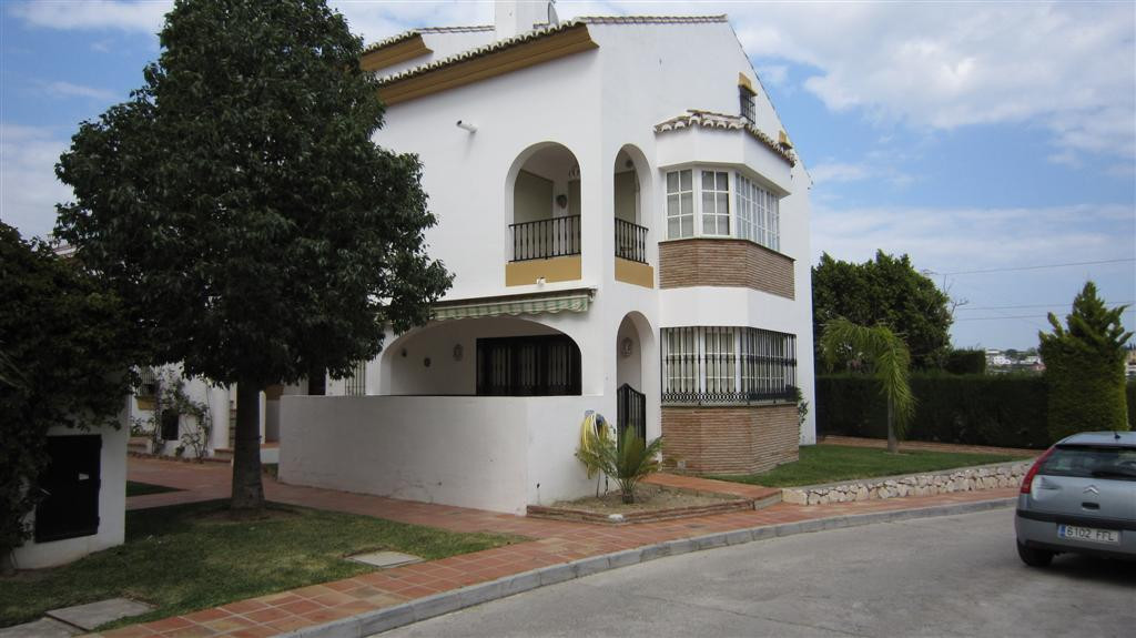 Townhouse on the corner, at the entrance to Mijas Golf. Large living room with fireplace, kitchen an,Spain
