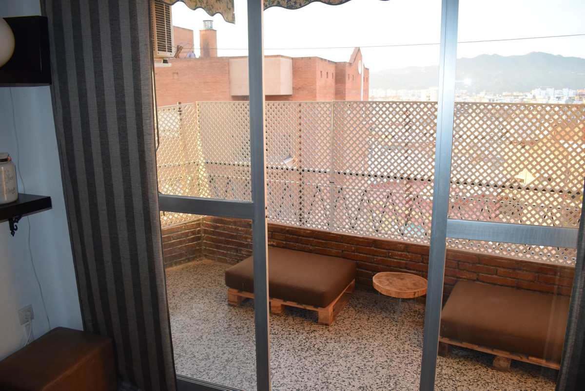 Middle Floor Apartment, Malaga Centre, Costa del Sol. 3 Bedrooms, 1 Bathroom, Built 92 m2;. with lic,Spain