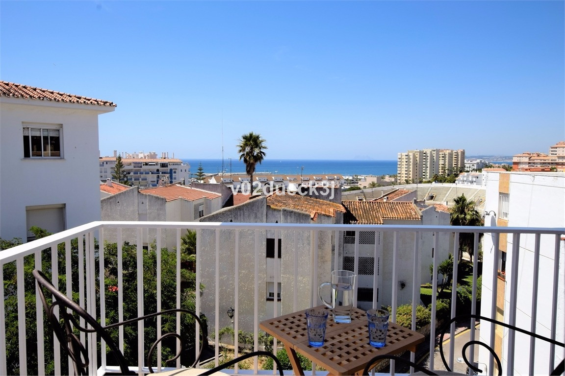 Newly renovated apartment at the top of the fourth floor with sea view. Only 300 meters to Estepona ,Spain