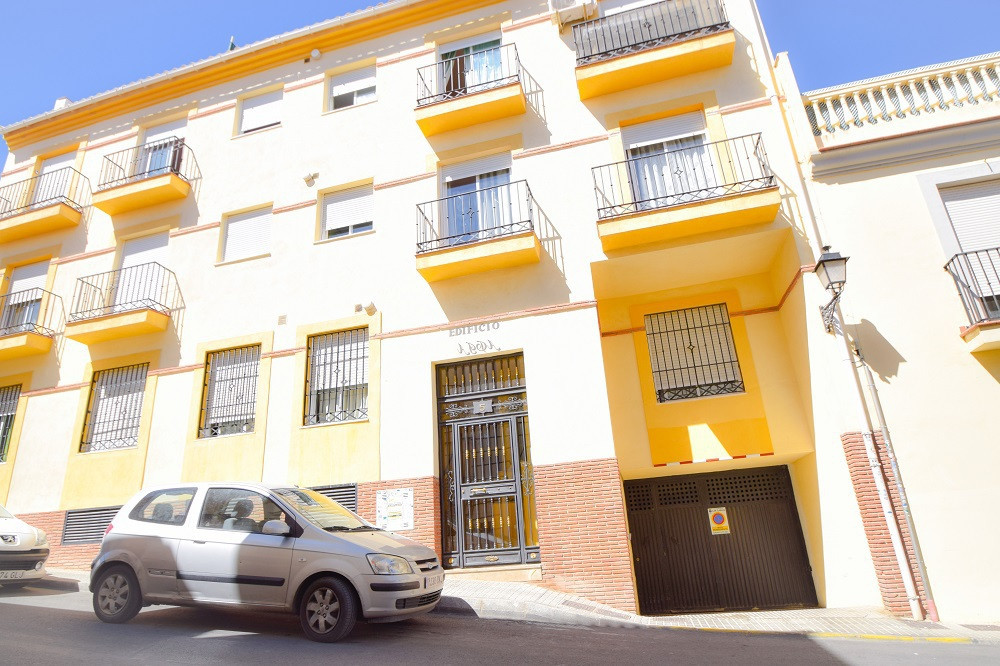 FOR SALE BUILDING WITH 9 APARTMENTS, READY TO BE RENTED. LAS GABIAS (GRANADA)  Attention investors. , Spain