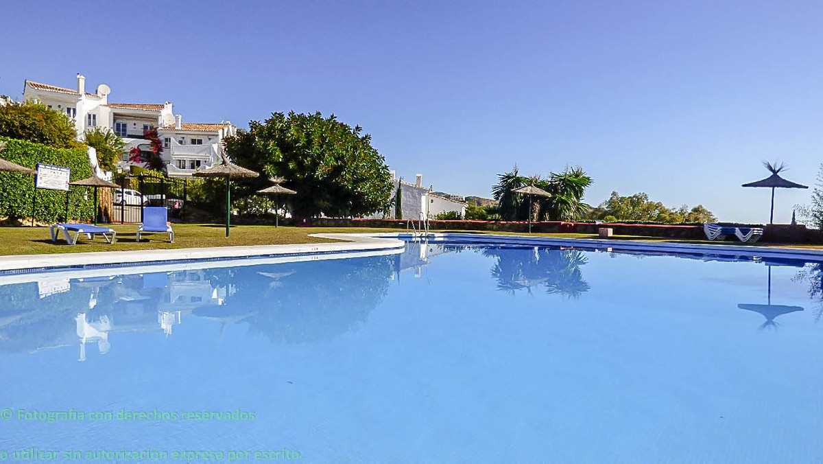 Charming and comfortable fully exterior apartment, 2 bedrooms, 2 bathrooms, one en suite, kitchen,  ,Spain