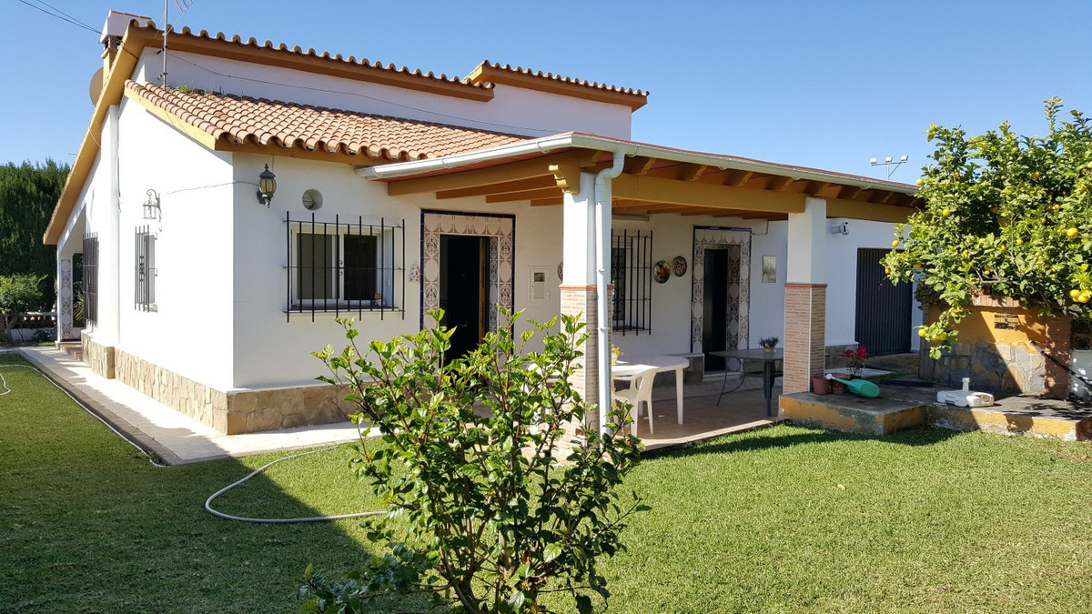 Detached Villa, Rincon de la Victoria, Costa del Sol East. 4 Bedrooms, 3 Bathrooms, Built 126 m², Te, Spain
