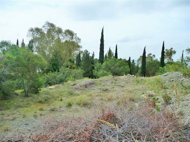 A 2850 sq mtrs south facing plot with lapsed permission to build a 2 storey Cortijo of 370 sq mtr bu, Spain