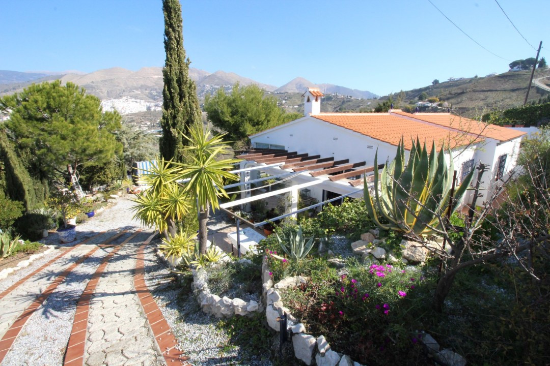 Wonderful Villa in the municipal area of Competa. The villa has a spacious lounge and dining room wi,Spain