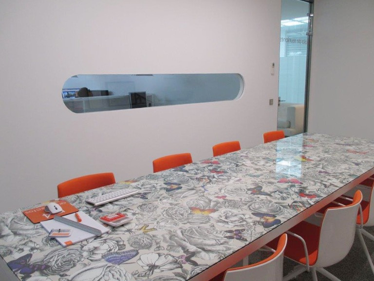 Office, Nueva Andalucia, Costa del Sol. Built 300 m².  Setting : Town, Commercial Area, Close To Sho,Spain