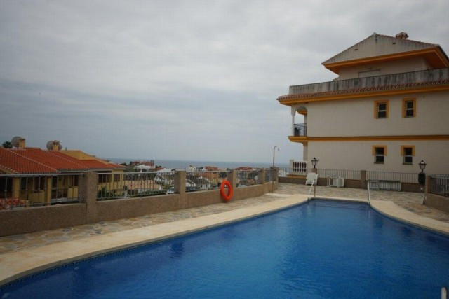 Neatly designed this property is a great pied a terre on the costa del sol. A short drive from Fueng,Spain