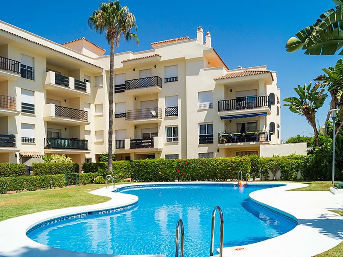 LOVELY 2 BEDROOM APARTMENT WITH VIEWS OF GIBRALTAR & THE SEA.  Located a short walk from the bea,Spain