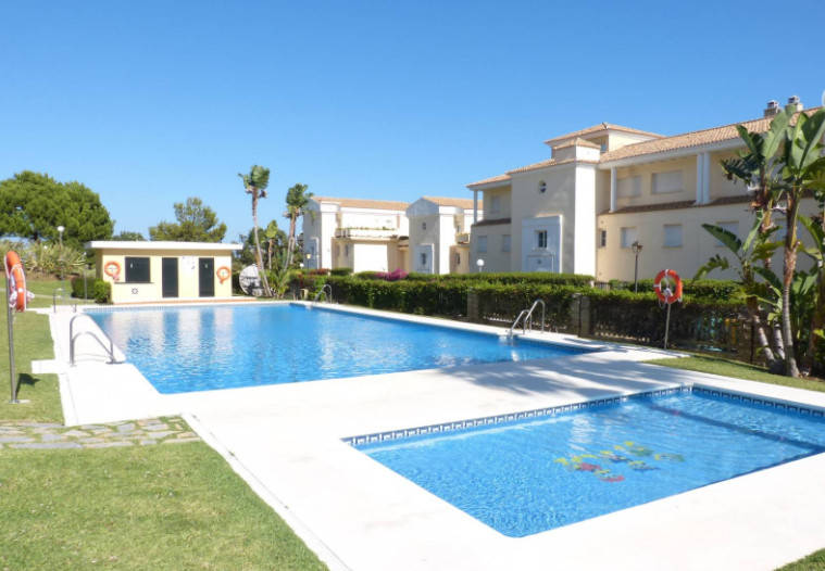 Fantastic apartment situated in a nice and quiet residential area next to Cabopino Golf course and t,Spain