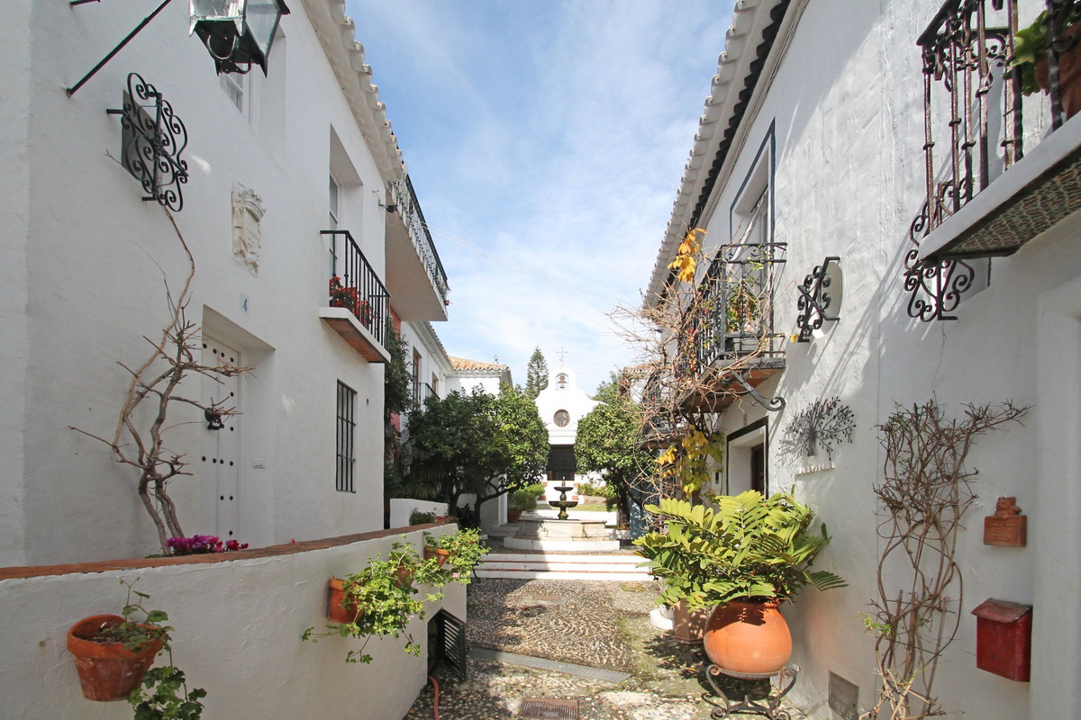 South-West facing one bedroom townhouse situated in the picturesque urbanisation of La Virginia, abo, Spain