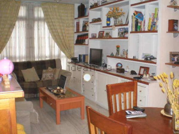 FANTASTIC APARTMENT IN LA MALAGUETA. Located in the heart of La Malagueta just two minutes walk from,Spain