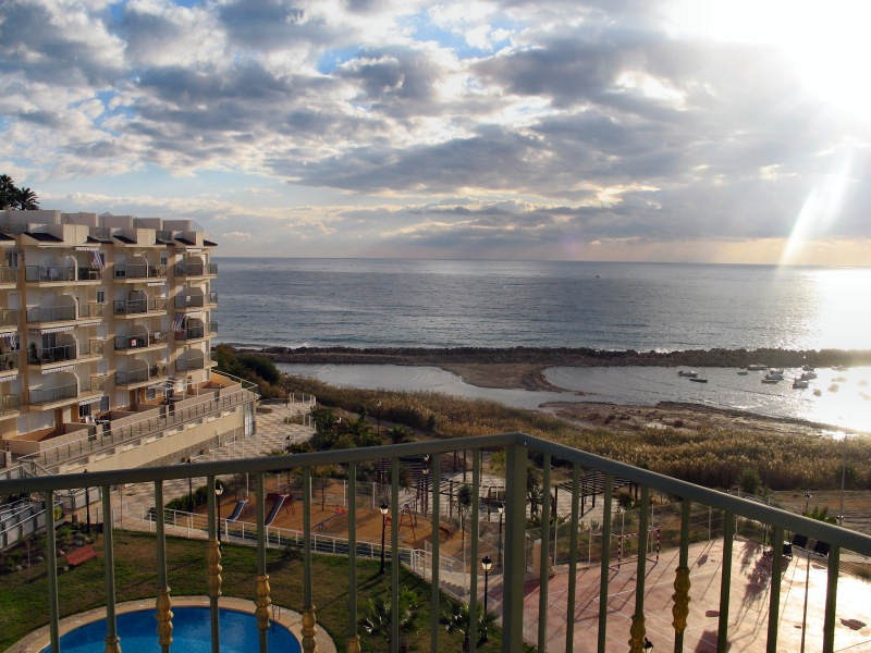 Pent-house.First line. Residential area. Terrace of 43 m². garage of 22 m2 with storage room,Spain