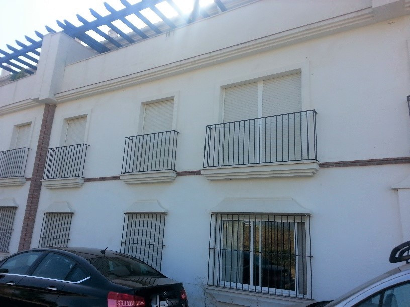 Nice apartment in Cancelada, near the school and with unobstructed views of the mountains. Recently ,Spain