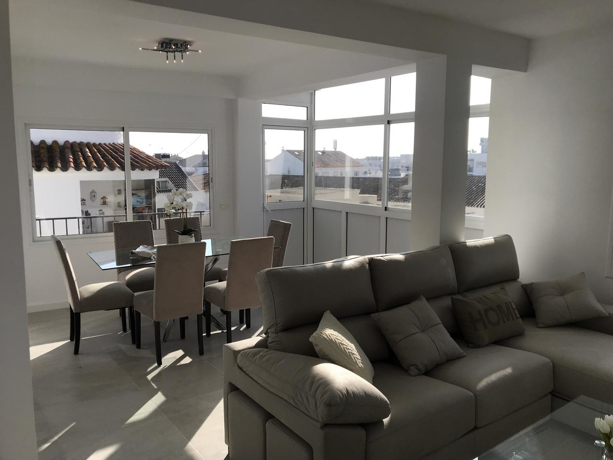 This beautiful apartment newly renovated with extreme taste by the property, in San Pedro town centr,Spain