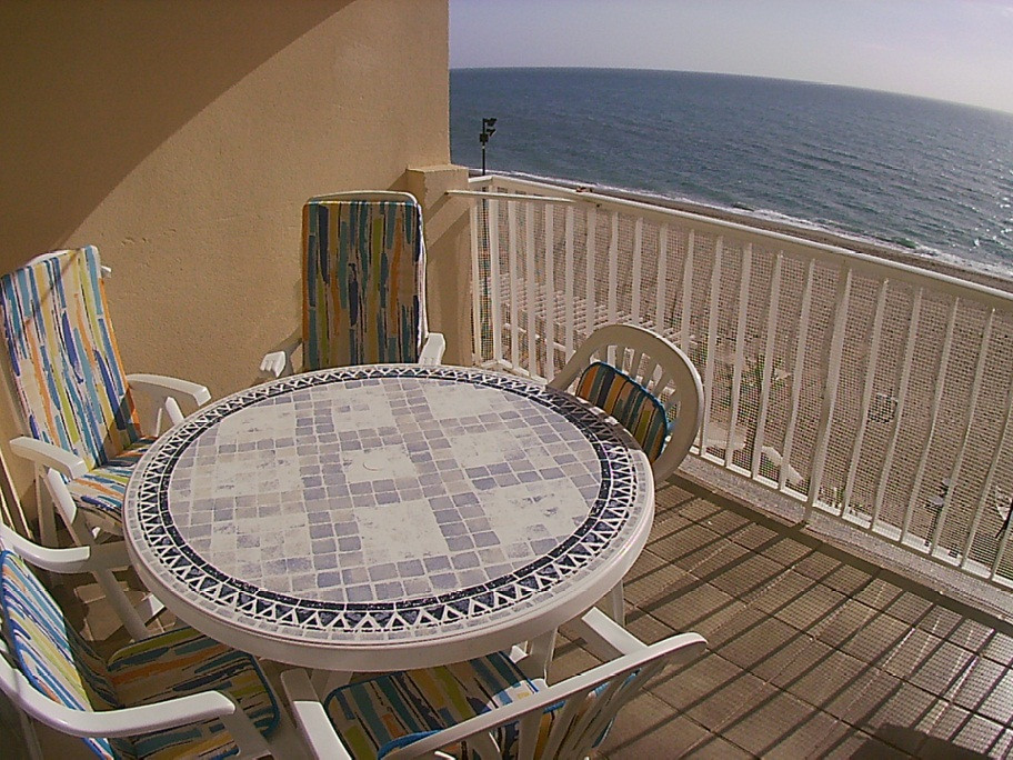 Spacious and beautiful apartment facing the sea on the Paseo Maritimo de Carvajal where you can find,Spain
