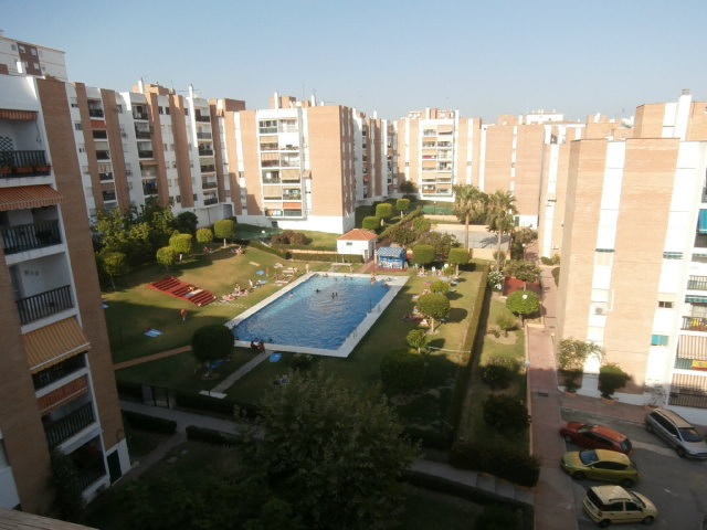 Totally NEW renovated top floor apartment: 3 bed, 2 bath, near train, buses, school, Parque Palomas,,Spain