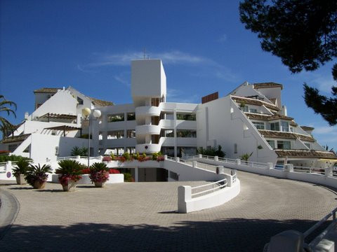 Private parking place in garage of Parque Miraflores. Built 15 m².  Setting : Close To Shops, Close ,Spain