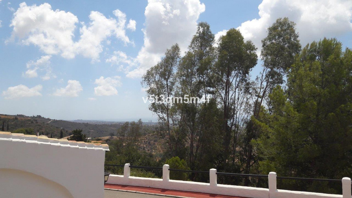 Magnificent and spacious housing of more than 270 m2c. It has two bedrooms - one en suite - and has , Spain
