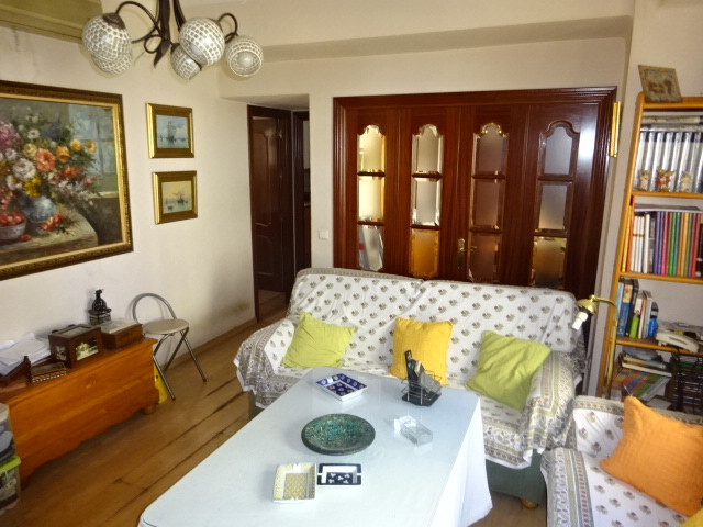 Apartment in the area of La Victoria, 10 minute walking from the historic center, in an area with hi, Spain
