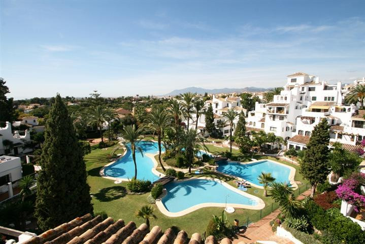 Location Location Location, this fantastic very large 2 bedroom apartment is located within walking ,Spain