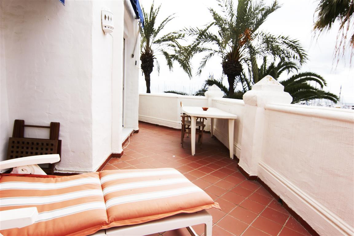 BENALMADENA COSTA - A SUPERBLY LOCATED 3 BED APT IN PUERTO MARINA! This amazing apartment benefits f Spain