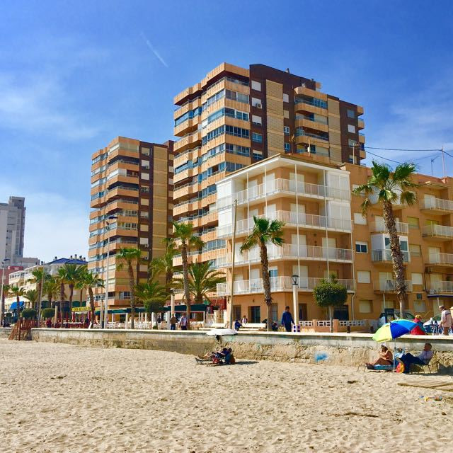 Seafront, corner, 3 bedroom apartment with two terraces and wonderful views of the beach at El Campe,Spain