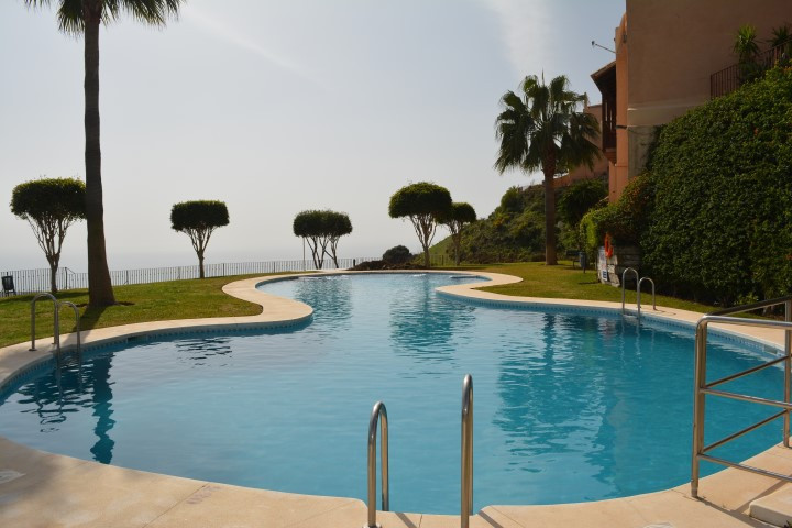 FANTASTIC APARTMENT WITH PANORAMIC VIEWS, IN CALAHONDA, MIJAS     IDEAL INVESTMENT! Apartment totall, Spain