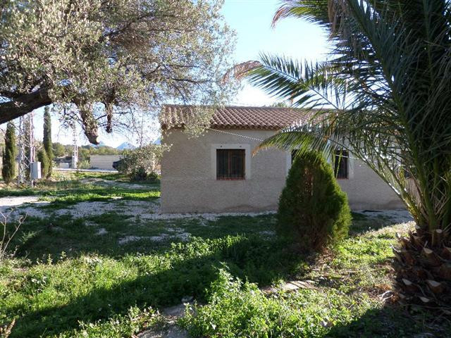 Rural house for sale in Relleu. Beautifully presented country cottage on the outskirts of the friend,Spain