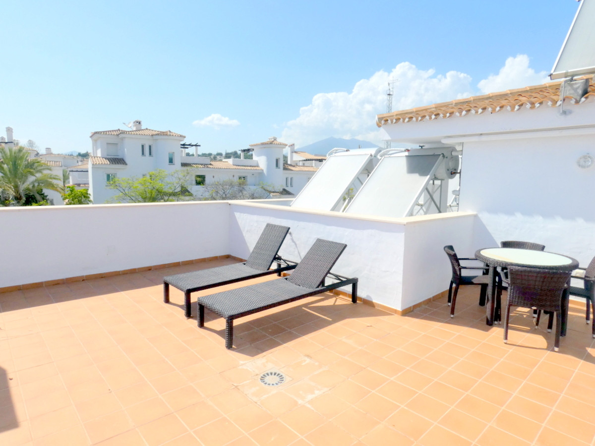 Walking distance to amenities and beach 2 bedrooms and 2 bathrooms apartment, master bedroom in suit,Spain