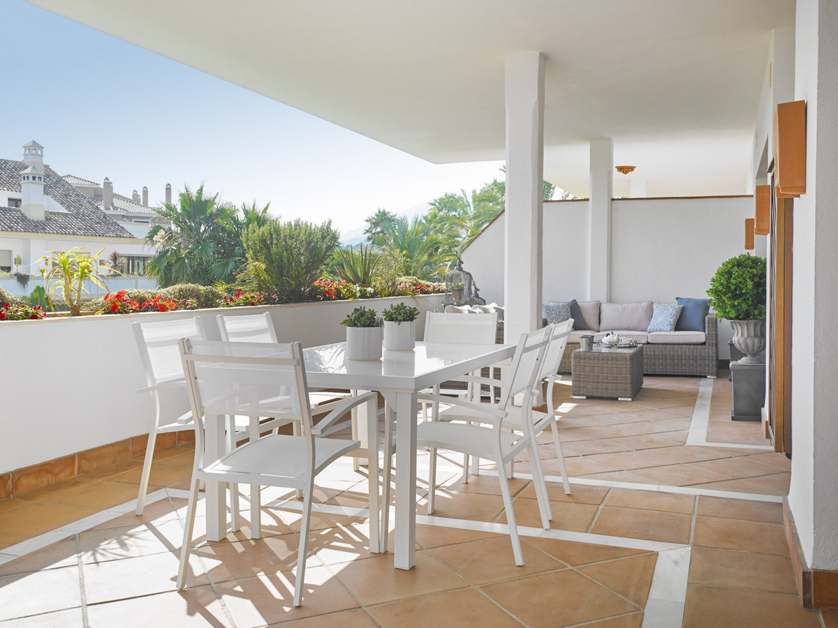 Stunning 4 bedrooms Penthouse is located within an exclusive residential complex 800m from the beach,Spain