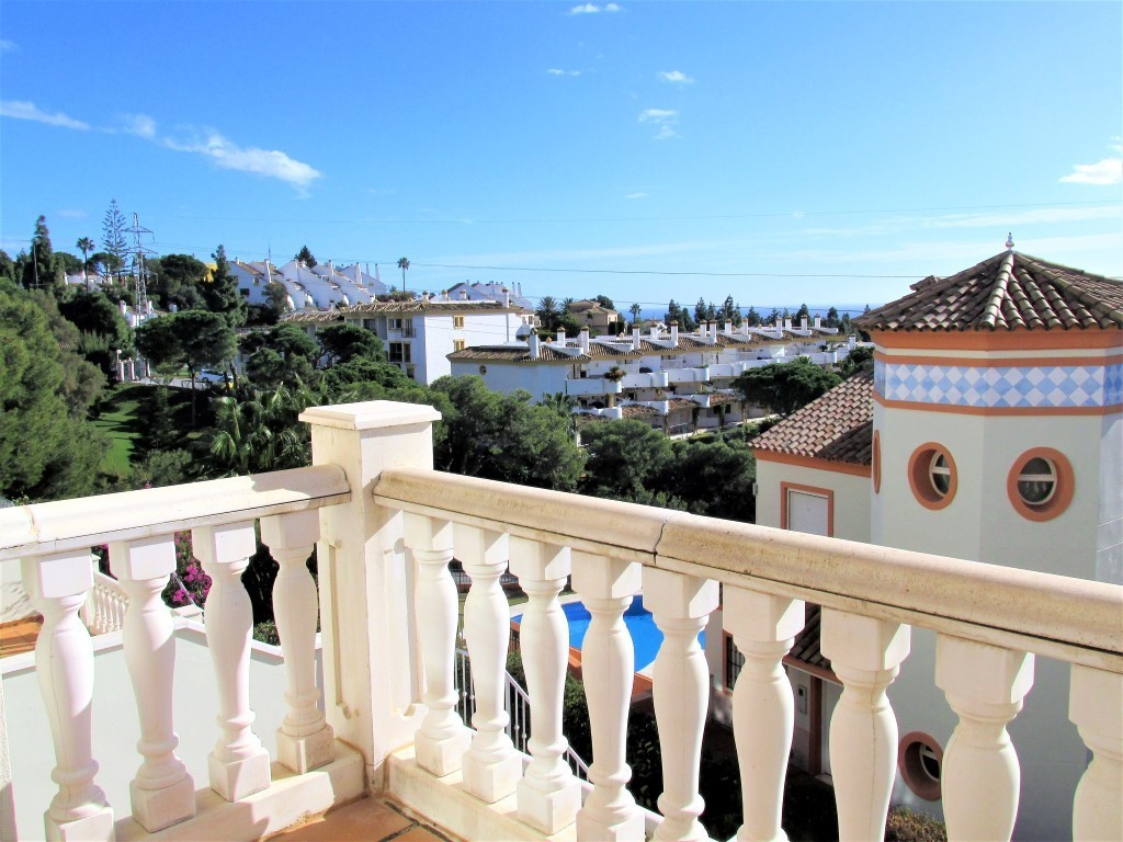 Immaculate townhouse located in a small and very peaceful urbanization of just 9 townhouses with lov, Spain