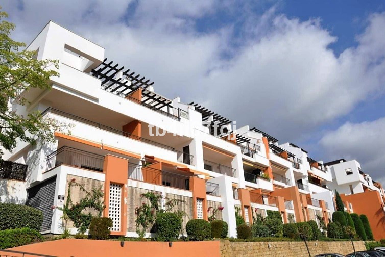 Magnificent apartment in the sought after area of  La Quinta. Situated 100 metres from the golf club,Spain