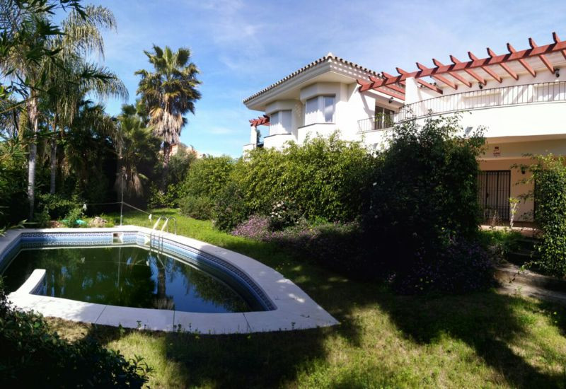 TOWNHOUSE NEW !!  2008    EXCLUSIVE COMPLEX WITH HIGH CUALITY. 3 BED / 3 BATH / 2 GARAGE / POOL   WA,Spain