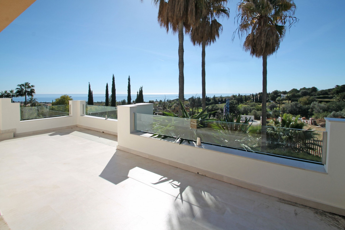 Private South-West facing four bedroom villa with spectacular open views to the sea and mountains. S,Spain