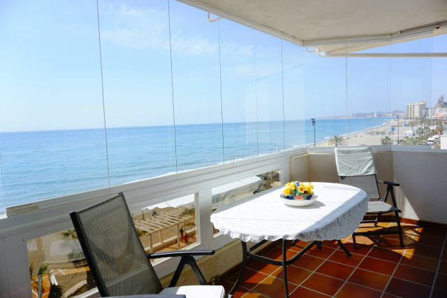 ABSOLUTELY FRONT LINE BEACH- Fantastic  corner apartment right on the beach in Fuengirola with incre,Spain