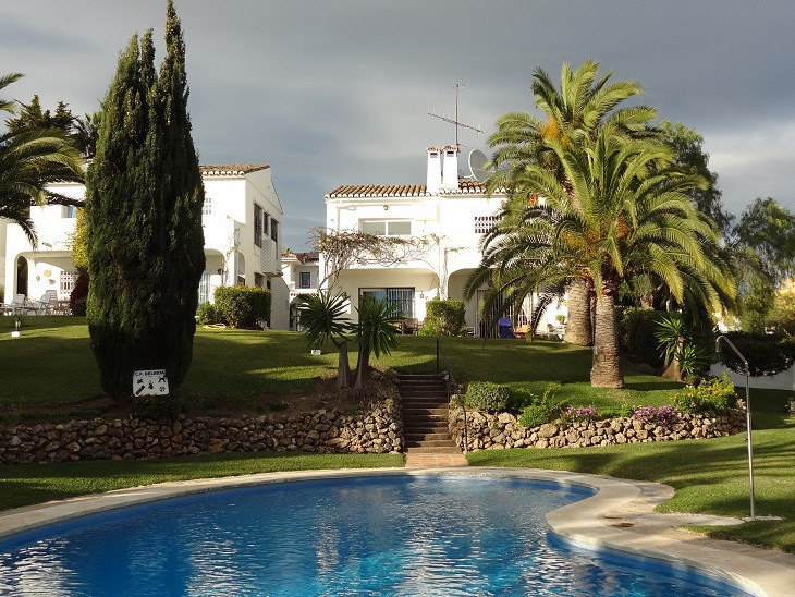 The best value fully detached townhouse in this small, sought-after green zone community located ver,Spain