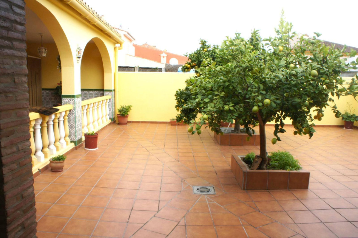 Immaculate 3 bedroom house located in Pueblo Nuevo de Guadiaro, walking distance to shops, cafes and,Spain