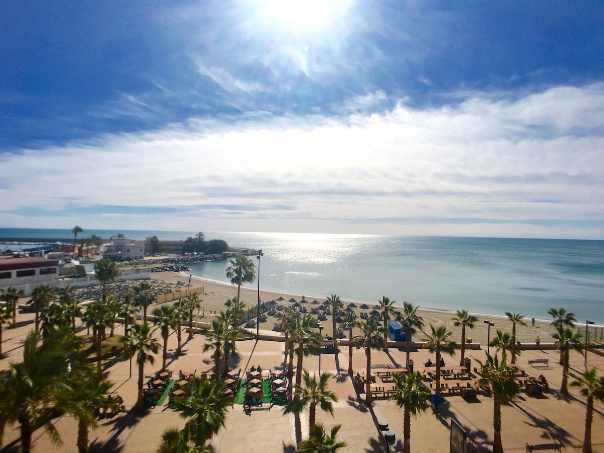 2 Bedroom beach front apartment located in Fuengirola Centre and very close to the port Two good siz, Spain
