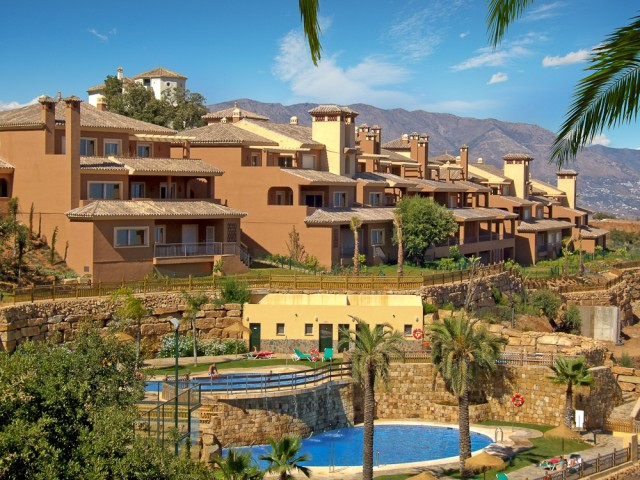 Beautifully presented apartment situated in a popular gated complex nestled up in the hills of La Ma,Spain