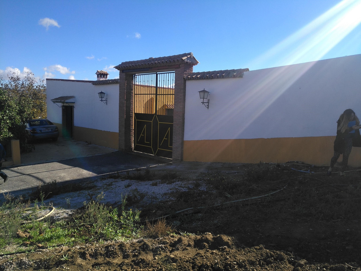 Finca - Cortijo, Almogia, Costa del Sol. 4 Bedrooms, 1 Bathroom, Built 414 m².  Setting : Country, V, Spain