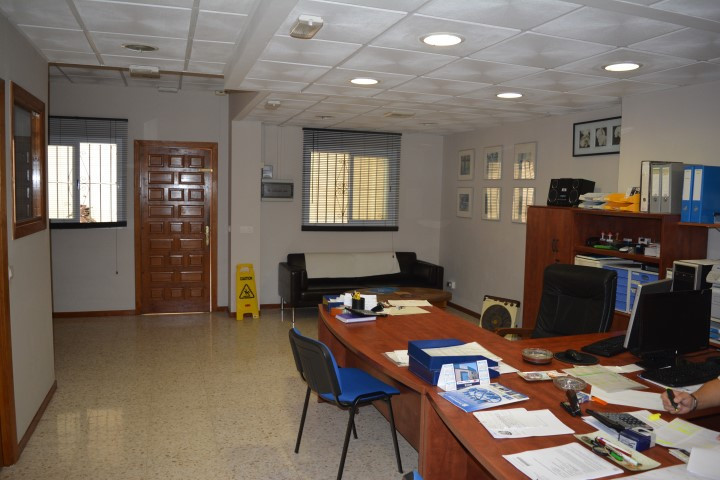 For sale ;  nice office with 70meters2, in the center of Marbella.  Currently in operation, this off, Spain