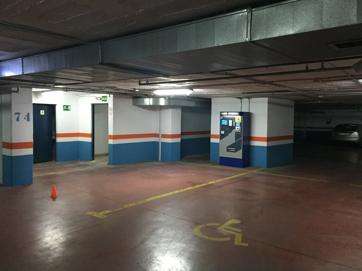 If you wish to make a good investment and extra money, this parking Plot could be a fantastic chance,Spain