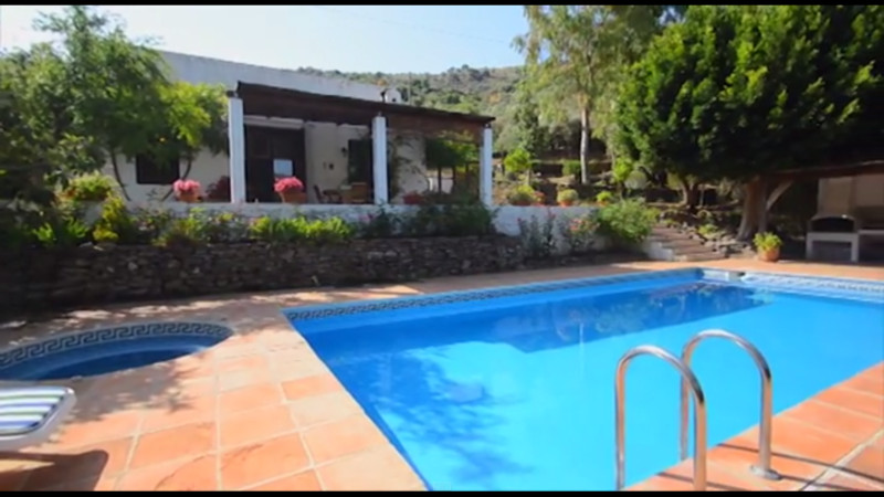 Beautiful, charming andalusian cortage between Torrox and Competa, with 3500sm of land (olive and fr, Spain